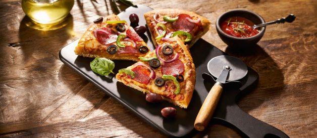 Ce faci cu bucata aia de pizza?
